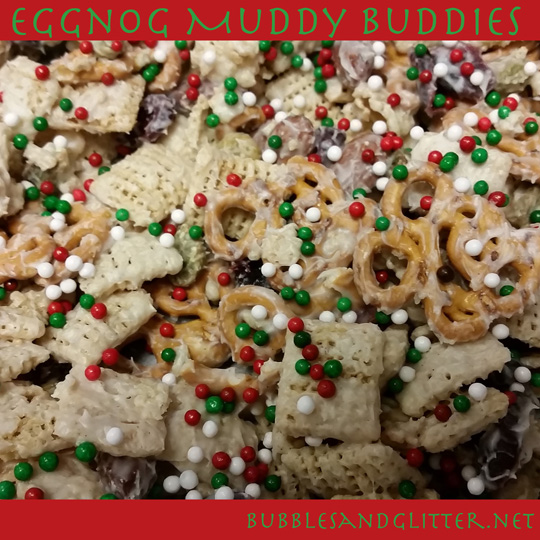 Eggnog Muddy Buddies || bubblesandglitter.net